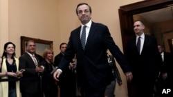 Antonis Samaris fue juramentado este miércoles como Primer Ministro de Grecia.