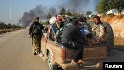 ဆီးရီးယား အလက္ပိုၿမိဳ႕က ထြက္ခြာေနၾကစဥ္။ (ေအာက္တိုဘာ ၃၀၊ ၂၀၁၆)