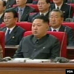 Kim Jong-un, putera bungsu Kim Jong-il duduk di deretan terdepan dalam konferensi partai pekan ini di Pyongyang.