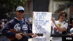 En fotos: Marchas a favor y en contra de Nicolás Maduro en Venezuela y EE.UU.
