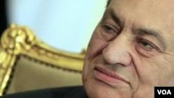 Menteri Kesehatan Mesir mengukuhkan bahwa kesehatan mantan Presiden Mubarak cukup baik untuk diadili.