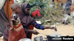 Baadhi ya wakimbizi wa wakisomali katika kambi ya Dadaab