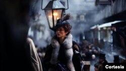 """""""Ana Karenjina"""" reditelja Džoa Rajta je oličenje raskošne praznične produkcije."""