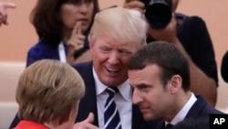 Трамп вже мав нагоди розмовляти з Макроном на самітах у Європі.