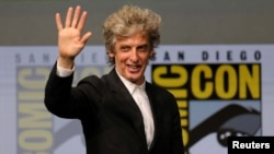 "Actor Peter Capaldi says goodbye as ""Doctor Who"" to fans during the Hall H event for ""Doctor Who"" at Comic Con International in San Diego, Calif., July 23, 2017."