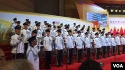 香港慶祝中國70週年國慶昇旗儀式上的軍樂隊(美國之音申華拍攝)