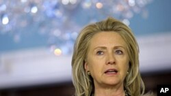 Ngoại trưởng Hoa Kỳ Hillary Clinton phát biểu tại Bộ Ngoại giao ở Washington