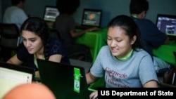 美利坚大学TechGirls国际夏令营的学生(图片来源:美国国务院)