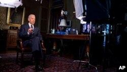 拜登副總統代表目前在歐洲訪問的奧巴馬總統發表每週總統例行演說