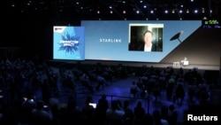 Илон Маск во время Mobile World Congress (MWC) в Барселоне, Испания, 29 июня 2021 г.