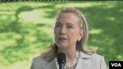 Hillary Clinton: Iran harus menanggapi segera 'pertanyaan sungguh-sungguh' dalam laporan PBB soal program nuklirnya.