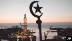 Нефтяные платформы на Каспии. Баку (архивное фото)