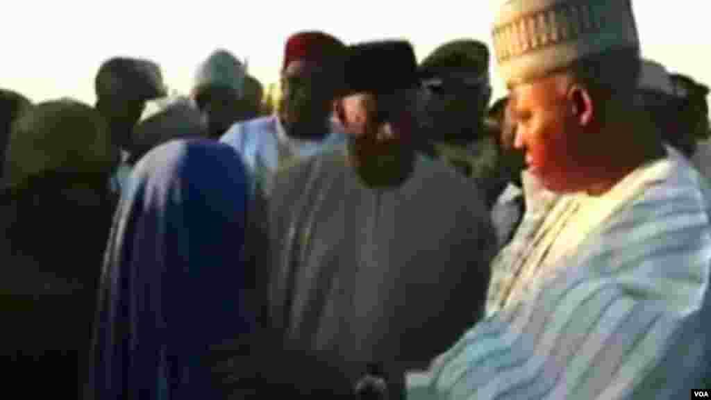 Shugaban Najeriya Goodluck Jonathan da Gwamna Kashim Shettima na Jihar Borno a Maiduguri, Janairu 15, 2014.