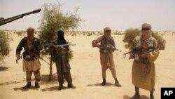 Militan Islamis di Mali Utara memberlakukan versi keras hukum syariah, termasuk hukum rajam dan potong tangan (foto: dok).