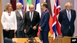 La cheffe de la diplomatie européenne Federica Mogherini, le ministre iranien des Affaires étrangères Javad Zarif, le ministre français des Affaires étrangères Jean-Yves Le Drian, le chef de la diplomatie allemande Heiko Maas, et le secretaire britannique au Foreign Office Boris Johnson, Bruxelles, Belgique, le 15 mai 2018.