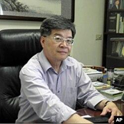 国立高雄大学教授 王凤生
