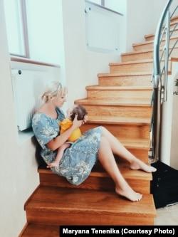 Мар'яна Тененіка з донечкою Елсі