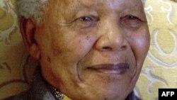L'ancien président sud-africain Nelson Mandela souffre d'une nouvelle infection pulmonaire