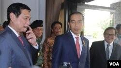 Presiden Jokowi di Bandara Halim Perdanakusuma usai mengikuti KTT Perubahan Iklim (Foto: dok/Setpres Biro Pers).