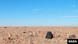 Un petit astéroïde 2008 TC3 tombé sur Terre à l'aube du 7 octobre 2008 au nord du Soudan. (Peter Jenniskens (Institut SETI / NASA Ames)