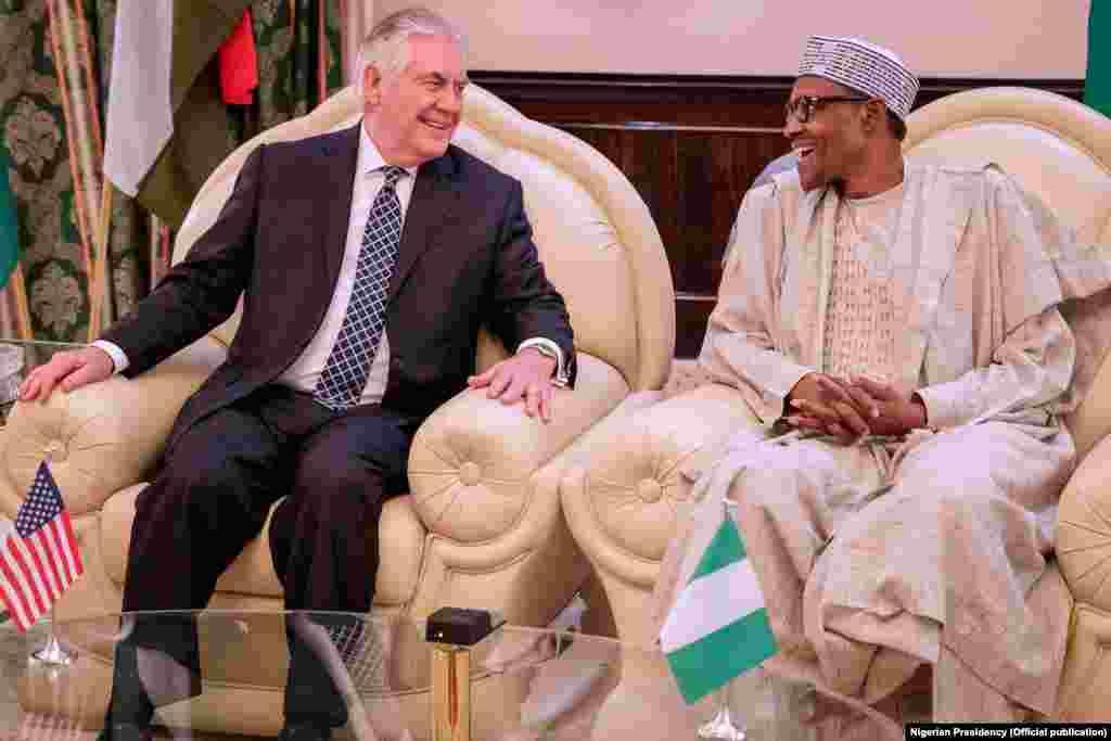 Sakataren Harkokin Wajen Amurka, Rex Tillerson tare da Shugaba Muhammadu Buhari yau a Fadar Shugaban Najeriya.