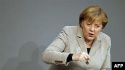 Thủ tướng Đức Angela Merkel phát biểu tại quốc hội ở Berlin, Đức, 14/12/2011