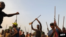 Basima minduki bamibongisi mpo na kotelemela ba LRA na Bangadi, na RDC, 18 février 2009.