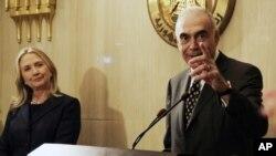 Госсекретарь США Хиллари Клинтон и Министр иностранных дел Египта Мохаммед Камель Амр
