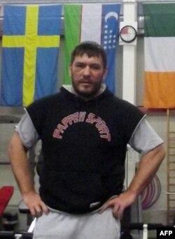 Ruslan Chagayev chempionlik kamarini qaytarib olish umidida