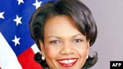 Cựu Ngoại trưởng Ricce đã tặng Tổng thống Obama một cuốn hồi ký của bà