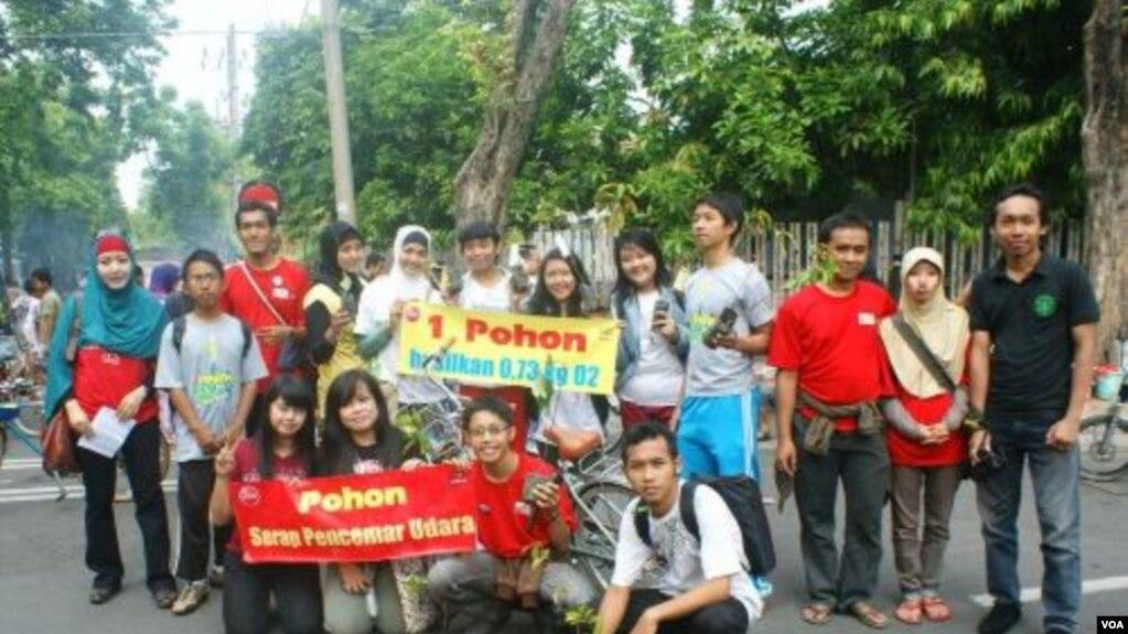 Peringati Hari Pohon Sedunia Aktivis Lingkungan Surabaya Prakarsai
