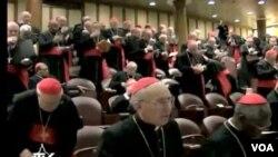 Cardenales todavía están a la espera de dos para completar el grupo de los electores que serán un total de 115 menores de 80 años.