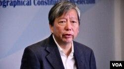 香港11-25立法會九龍西地區補選,民主派候選人李卓人。(美國之音湯惠芸)
