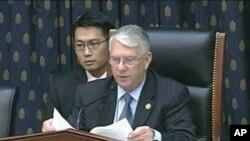 Chủ tịch tiểu ban Hạ viện đặc trách vùng châu Á Thái Bình Dương, Dân biểu Donald Manzullo thuộc đảng Cộng hòa