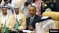 바락 오바마 미국 대통령이 21일 사우디아라비아 리야드에서 열린 걸프협력위원회(GCC) 정상회의에서 발언하고 있다.