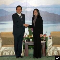 台湾陆委会主委赖幸媛会见陈云林