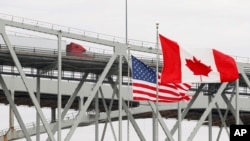 مرز بین کانادا و آمریکا