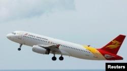 中國航空空中巴士正於海南機場。