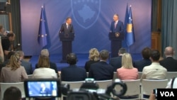 Predsednik Kosova Hašim Tači i predsednik Evropskog Saveta Donald Tusk na konferenciji za novinare u Prištini 26. aprila 2018.