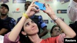 La bloguera cubana está impactada por la interacción a través de las redes sociales.
