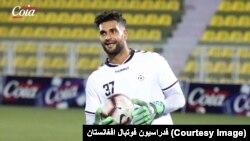 اويس عزیزی، دروازه بان تیم ملی افغانستان، مانع گول های حتمی تیم فوتبال فلسطین شد
