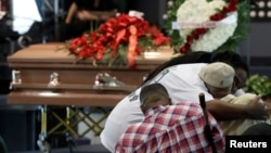 斯蒂芬·克拉克的葬礼上