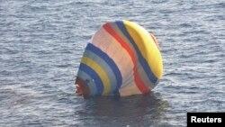 1일 중국인 1명이 열기구를 타고 센카쿠 열도에 착륙을 시도했으나 실패하고 바다에 빠져 일본 당국에 구조되었다.