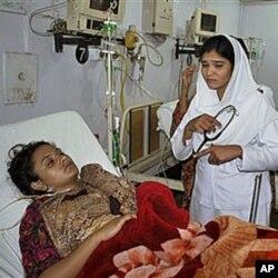 دم توڑنے سے پہلے شمائلہ کنول ہسپتال کے بستر پر