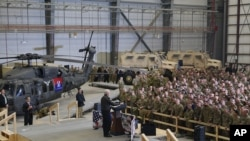 ایرانی خبر رساں ادارے کے مطابق اسرائیلی فوجی ہرات کے ضلع شین ڈنڈ میں واقع امریکی ایئرفورس کے زیرِ استعمال ایک ہوائی اڈے پر تعینات ہیں۔ (فائل فوٹو)