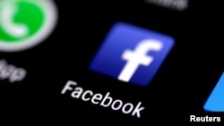 Aplikasi Facebook tampak di layar ponsel, 3 Agustus 2017.