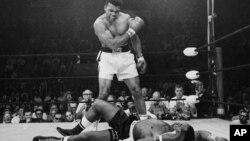 En 2010 cuando se conmemoraban los 50 años de Muhammad Ali en el mundo del boxeo, Barack Obama escribió un texto.