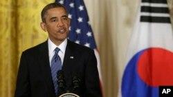 Presiden AS Barack Obama memberik pernyataan soal Suriah dalam konferensi pers bersama Presiden Korea Selatan, Park Geun-hye hari Selasa (7/5).