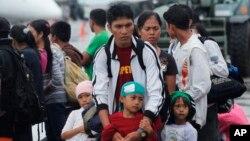 Các quan chức Y tế nói rằng cơn bão đã ảnh hưởng đến trên 320.000 trẻ em dưới 5 tuổi