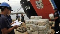 Casi el 90 por ciento de la droga que llega a EE.UU. pasa por Centroamérica y México.